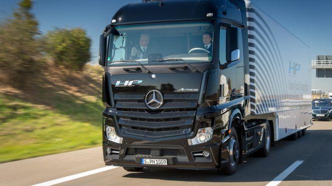 Budget 2016: Driverless lorries get UK trials