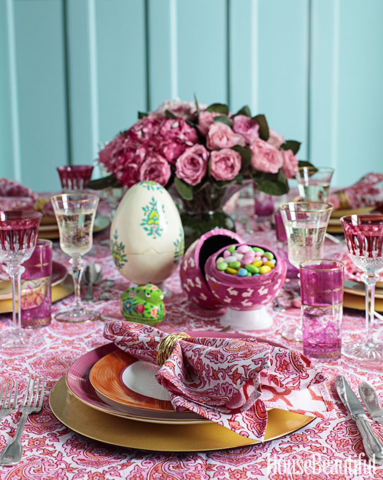 How to Lay the Perfect Tablescape for a Festive Spring Fete