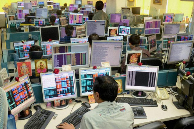 Sensex snaps 6-day winning streak, Nifty settles at 7,486; Infosys tumbles over 2%