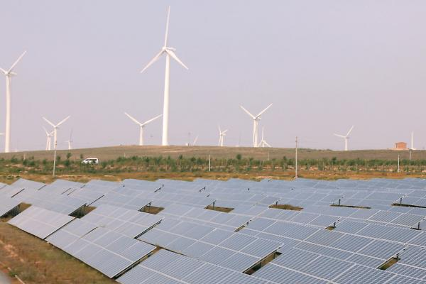File: U.S. wind electricity sector booming