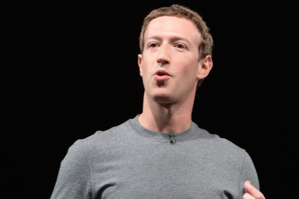 Zuckerberg's future vision: Worldwide Facebook access, virtual reality, solar Internet plane