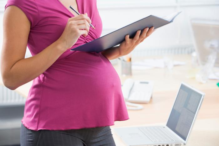 Delay motherhood to reduce career income losses, say researchers