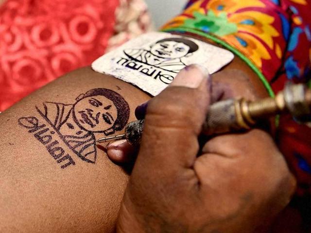Jayalalithaa to contest from Chennai, AIADMK from record seats