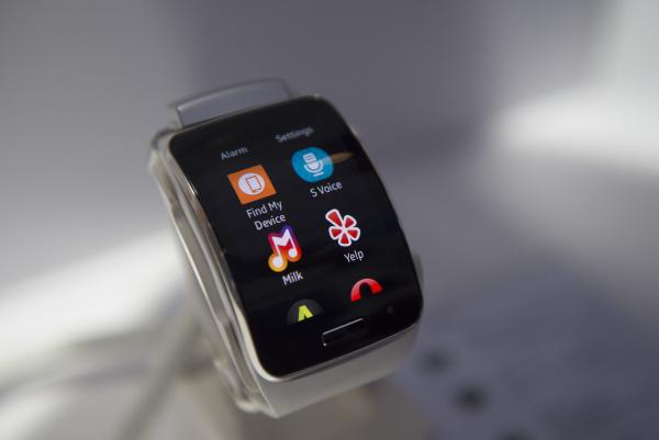 Tiny, stretchy, faster circuits are wave of wearable electronics' future