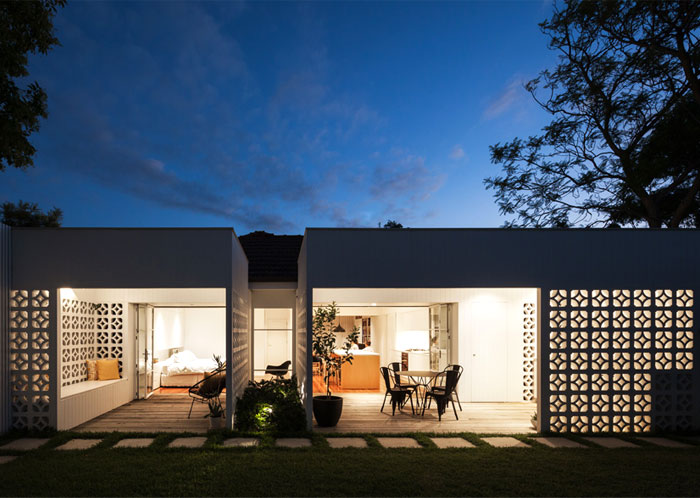 Breeze Bloc residence by way of Architect Prineas