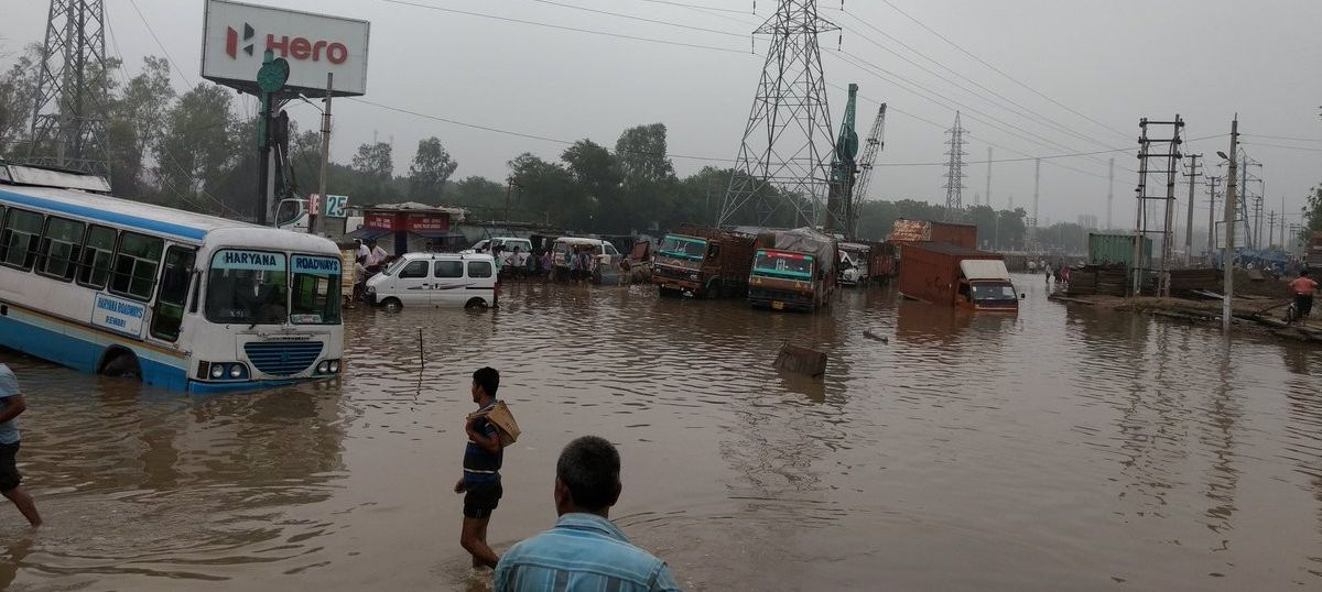 Delhiites asked to stay away from Gurgaon after massive traffic jam leaves people stranded for hours