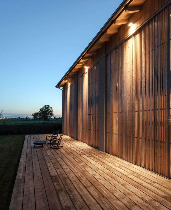 Barn House Recovery by Archiplan Studio