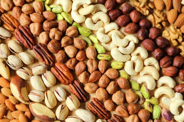 Regular nut consumption linked to less inflammation