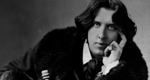 Historic English homes of LGBT heroes Oscar Wilde and Benjamin Britten finally relisted on tours