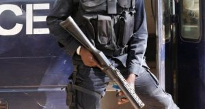 Gambia security forces 'seize election commission HQ'